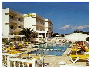 hotel-y-piscina