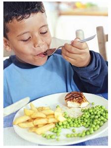 Niño_comiendo